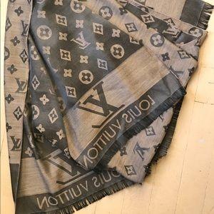 Louis vuitton monogram shawl silk/cashmere